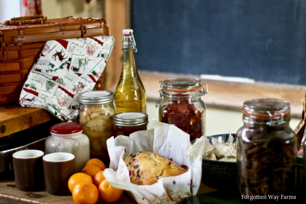 The tradition of giving hampers really started during the Victorian times, when wealthy families put together hamper baskets of food and drink for their staff, and the poor. There was often enough food for a week.