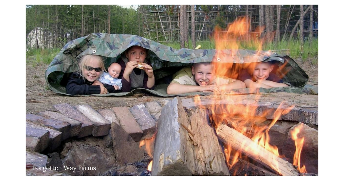 Homesteading Life With a Family, how adorable! Love the simple joy this family expresses.