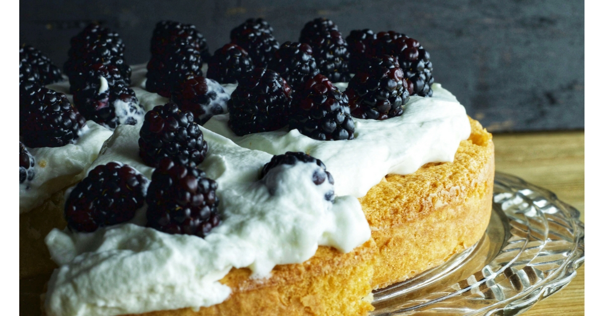 Nothing beats a Simple French Yogurt Cake on the weekend! Putting this one away for the coming weekend!