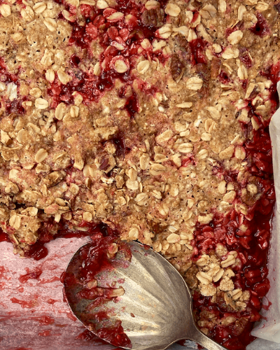 Easy Gluten-Free Strawberry Rhubarb Crisp
